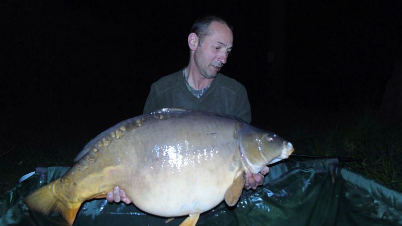 April: Rob Ellis 45lb 6oz PB