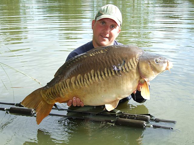 Copy_of_Danny_B_Linear_37lb_4oz.JPG